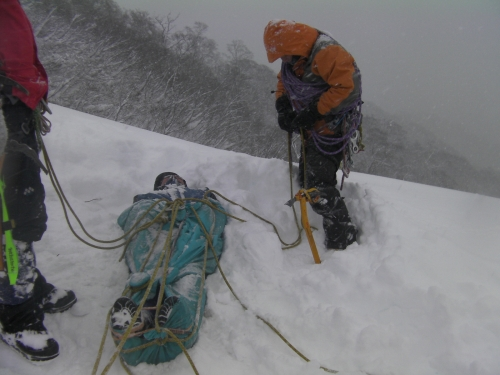 AGS-J雪上でのガイディング研修